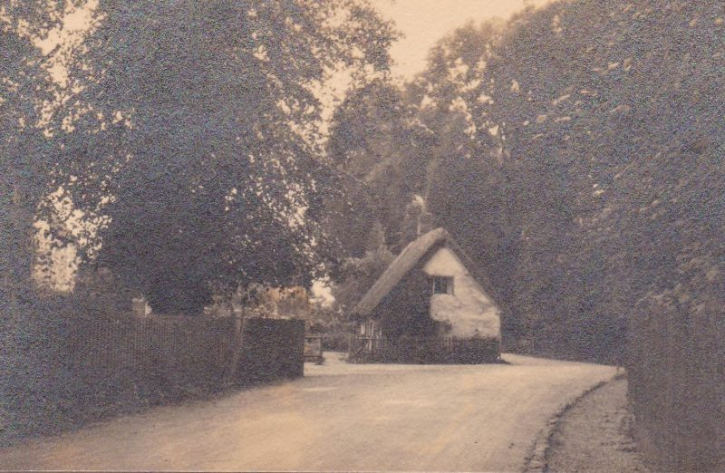 Former thatched cottage at the junction of Church Road and Whites Lane, Radley, opposite the Church