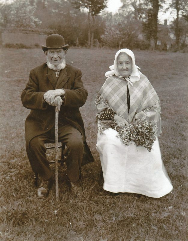 Peter and Mary Minns of Lower Radley, c.1902